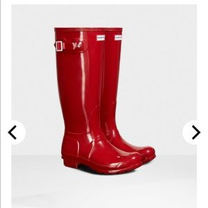 Hunter tall gloss rain boot military red 39